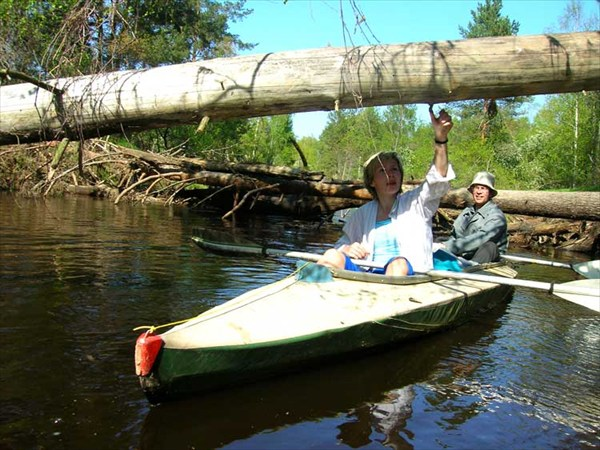на фото: Река Гусь. Май, 2008. Очередные проблемы.
