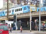 Поезд метро.