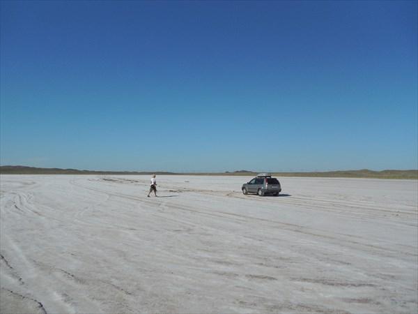 На солевом поле. Фото Ивана Агашкина.
