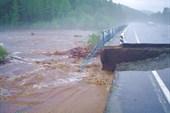 Размыло мост.