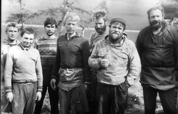 на фото: участники похода
