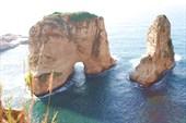 Pigeon Rocks - вид с набережной Бейрута