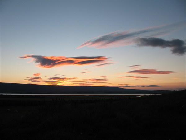 Закат над озером  Легуринн