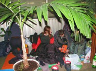 Ночевка под пальмами на ж/д вокзале Твери