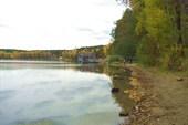 Берег озера.