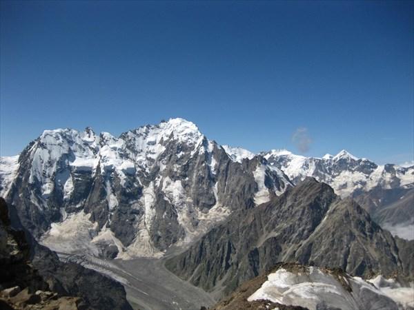 на фото: Вид с вершины Укю