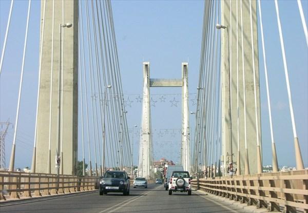 Мост соединяющий материк с островом Эвбея