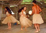 танцы в деревне в джунглях