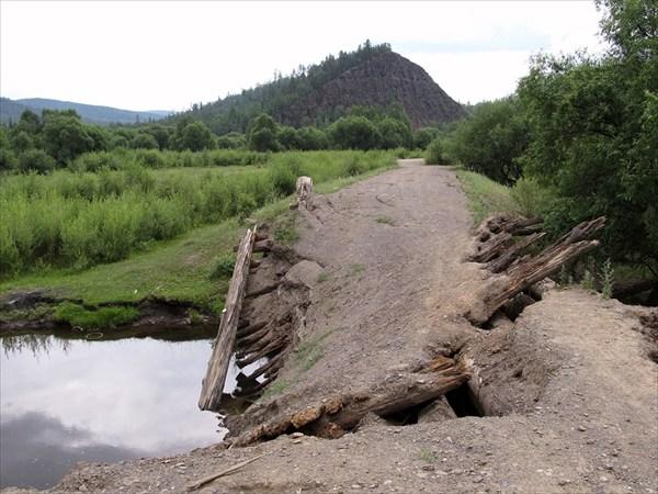 Гора Шаманская. Вид с моста р.Урунтин