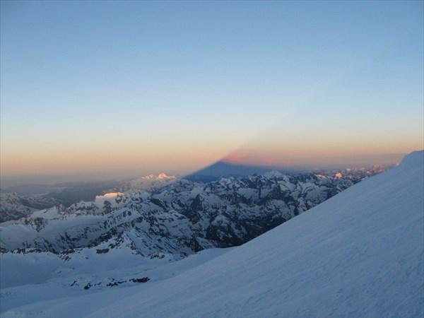 Тень от Эльбруса.
