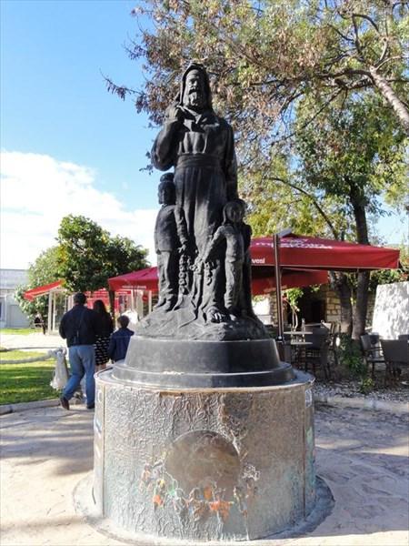 Памятник Санта-Клаусу