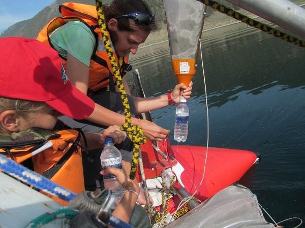 Отбор проб воды на микропластик