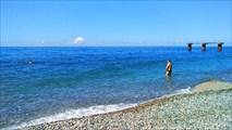 Пляж в Гагре