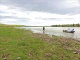 Человек и река.