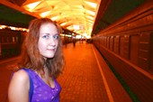 Жаркая девушка на платформе Ленинградского вкз