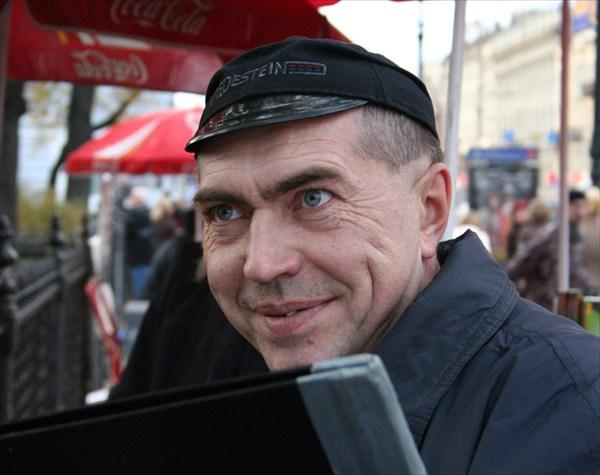 Карикатурист на Невском