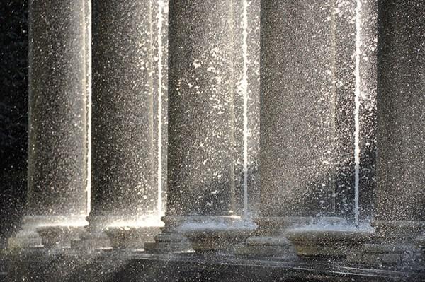Свет и вода