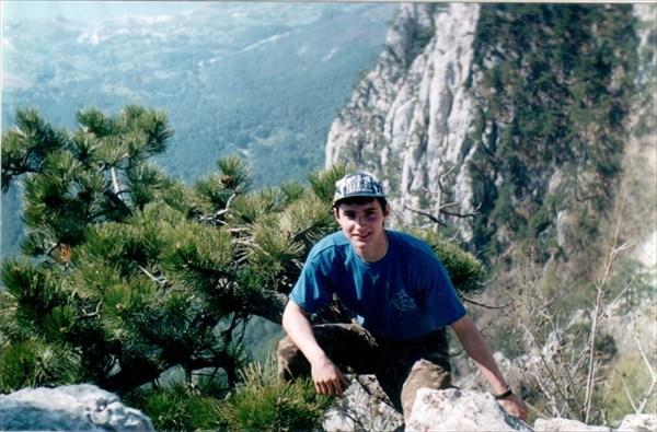 Ай-Петри. Весна 2001. ком. Лавров