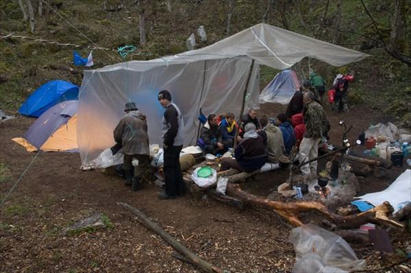 DSC_0605 Лагерь в нашей воронке.
