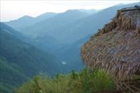Вид из Поюма на долину