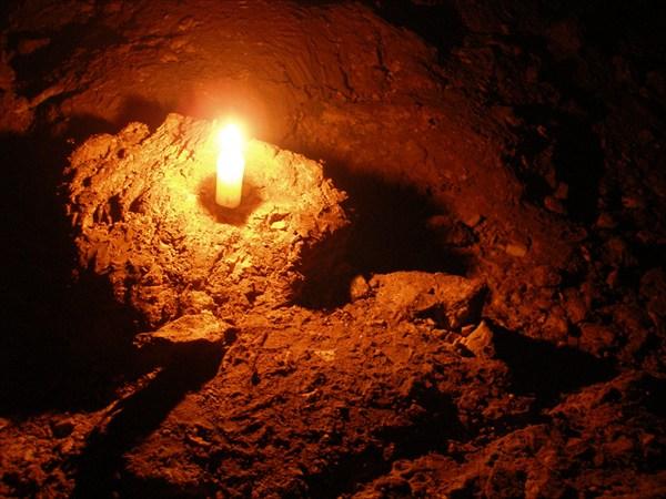на фото: свеча