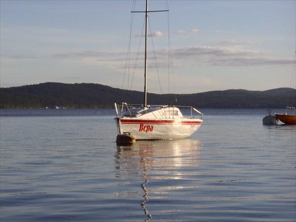 на фото: Яхта Вера