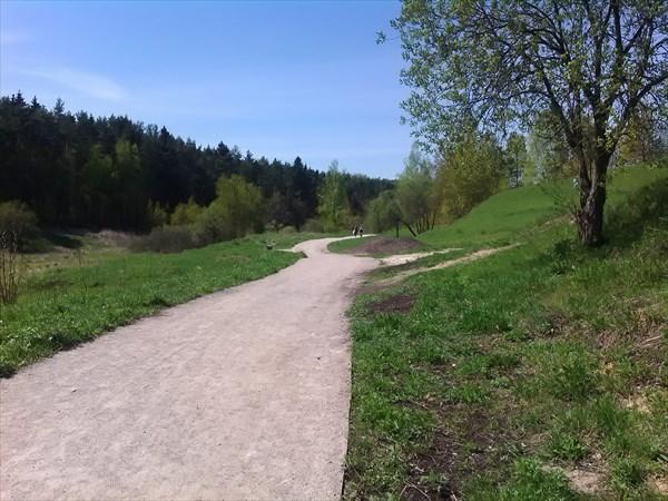 на фото: Гравийка вдоль речки Язвенки
