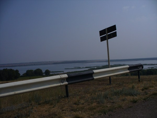 въезд на прилегающую к озеру территорию