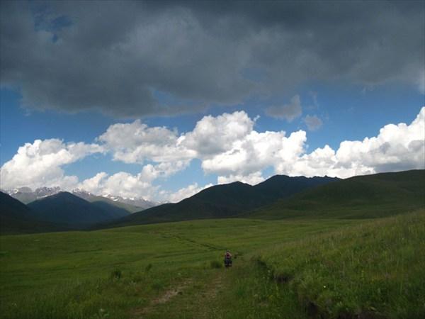 Участок старой дороги к пер.Сёок вдоль р.З.Каракол