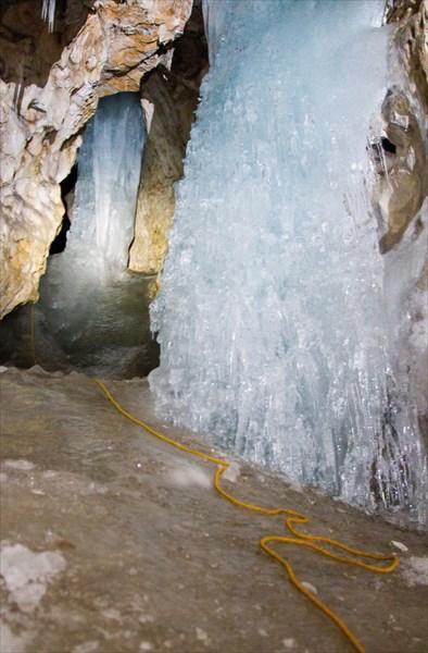 Ледопады пещеры Мариинской.