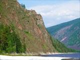 Скалы у притока Тарын