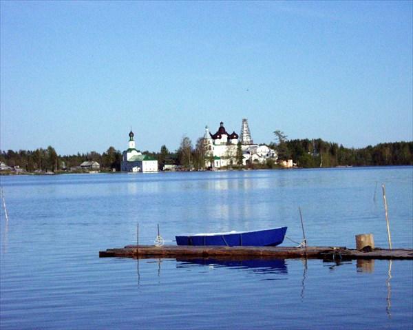 на фото: Антониево-Сийский мужской монастырь