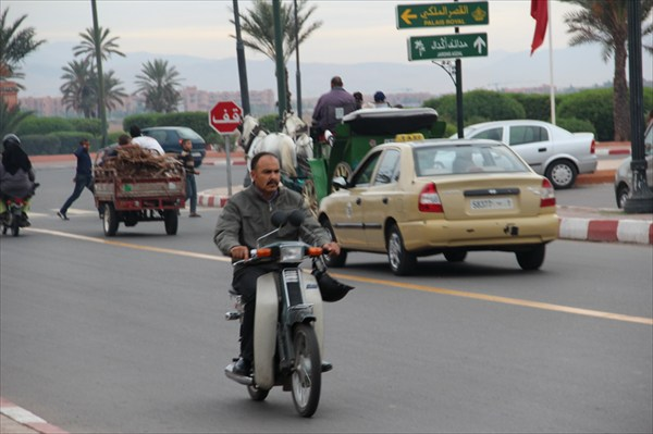 Дорожное движение в Мараккеше
