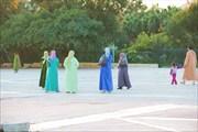 Как одеты  женщины на улице в Агадире