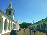Церковь Спаса в Рядах сер. 18 в. и Пряничные ряды, Кострома