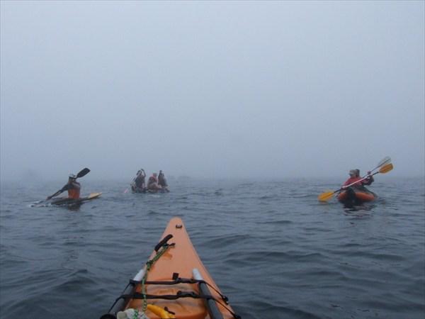 Я сопровождаю караван судов в тумане
