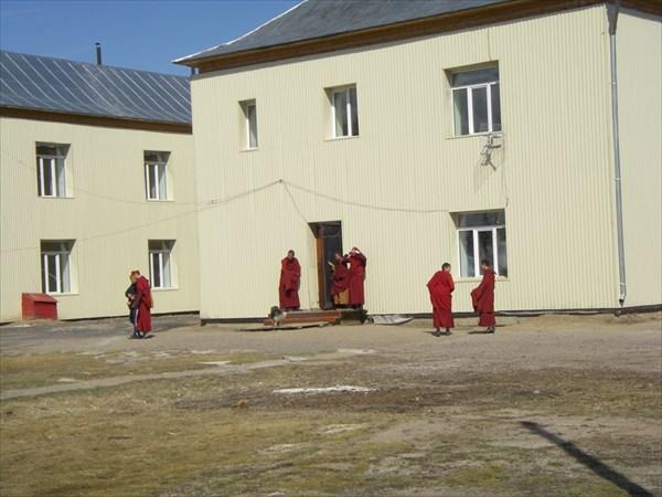 Ученики Иволгинского буддийского университета