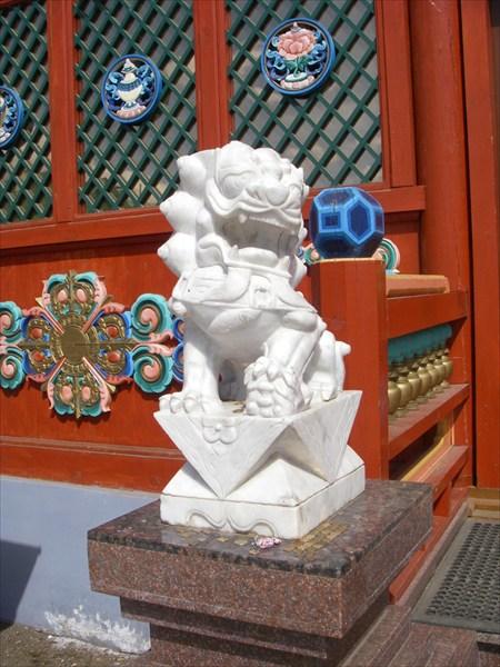 хранитель входа в храм