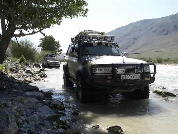 Дорога по реке Цаган-гол