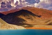 Озеро Яшилькуль . Восточный Памир.