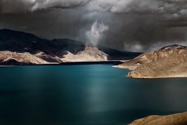Памир. Озеро Яшилькуль.