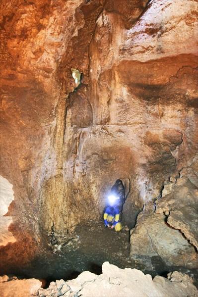 Мазный Жора в пещере `Трехэтажка`