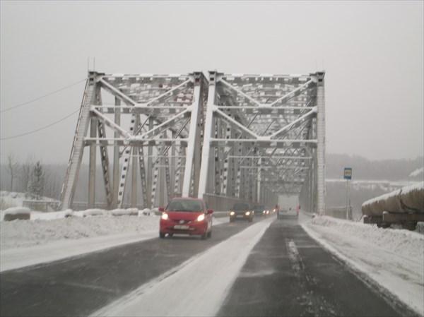 Мост с правого на левый берег Усть-Илимска