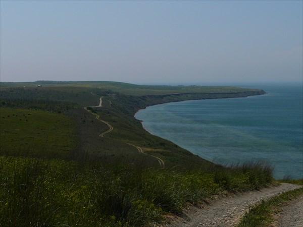 на фото: Живописная дорога. Керченский пролив