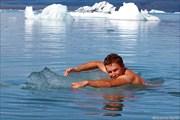 Плаванье на льдине