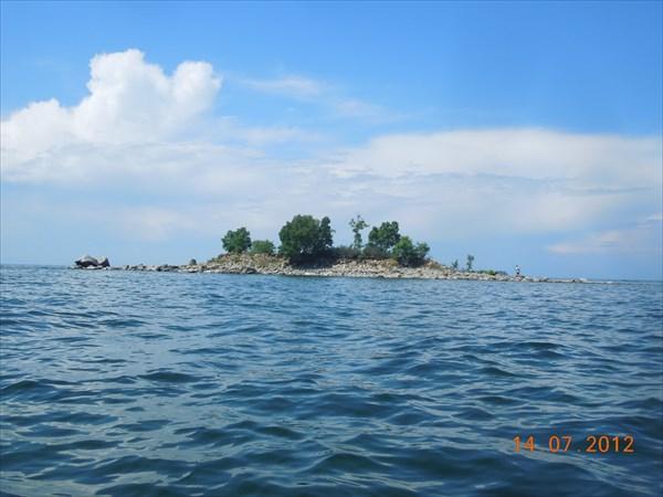 Островок у мыса Безымянный