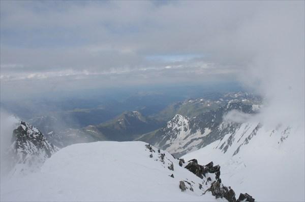 Вид с перевала Белухинский