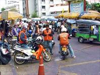 Еще классная находка тайцев - мото-такси! Самый быстрый вариант.