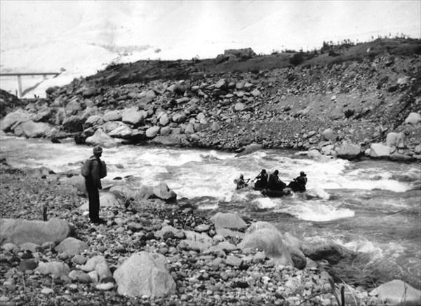 Чаткал после моста вольется в чарвакское водохранилище