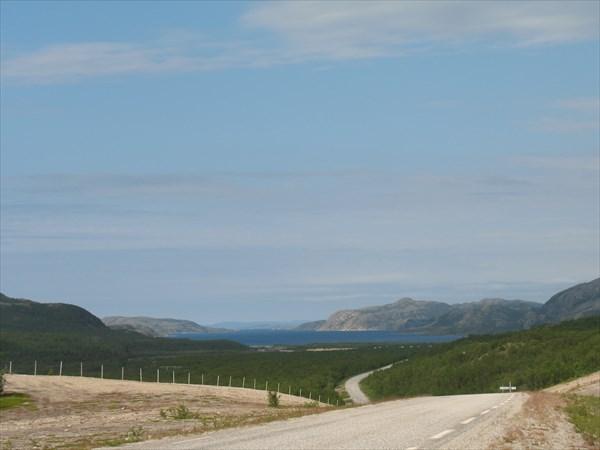 Спуск к Laksefjorden